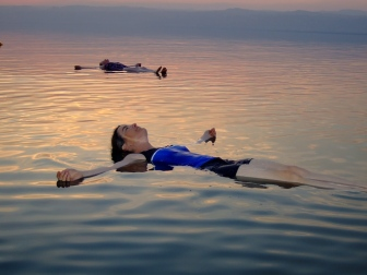 A_float_on_the_Dead_Sea